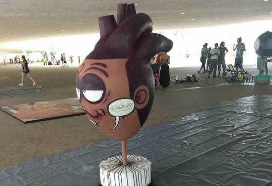 Exposição itinerante de esculturas de órgãos humanos chega à Estação Luz