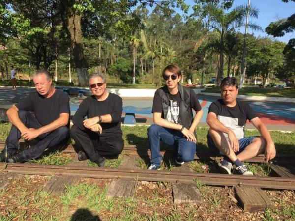 Banda Remembers organiza live neste domingo (21); Tribuna retransmitirá