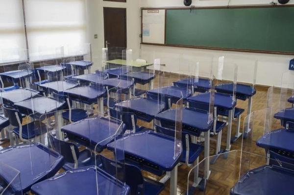 SP suspende aulas presenciais de escolas estaduais e antecipa recesso