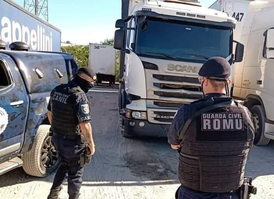 GM prende criminosos e evita roubo de caminhão em Cajamar