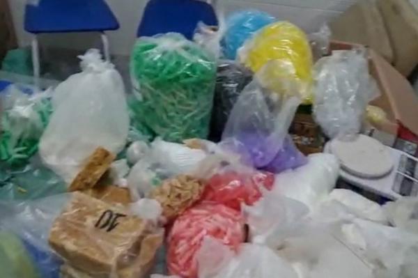 PM fecha refinaria e apreende mais de 14 mil porções de drogas em Campo Limpo Paulista