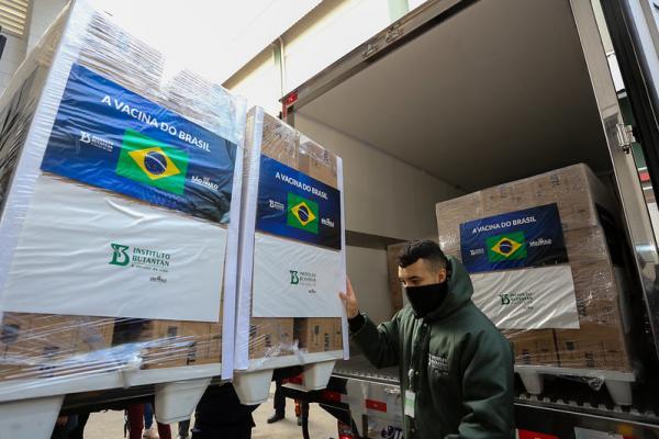 Butantan entrega 2,2 milhões de doses da CoronaVac ao Ministério da Saúde
