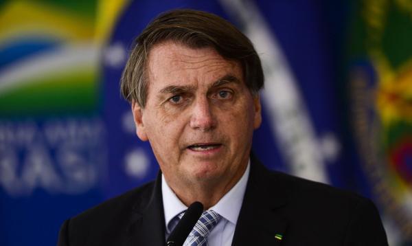 Bolsonaro prevê novo Bolsa Família em novembro com valor 'mínimo' de R$ 300