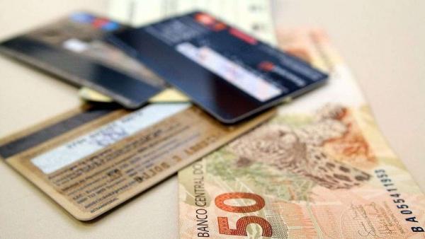 Feirão 'limpa nome' da Serasa renegocia dívidas por até R$ 100