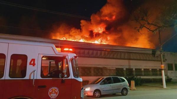 Incêndio atinge um dos galpões da Cinemateca Brasileira, em São Paulo