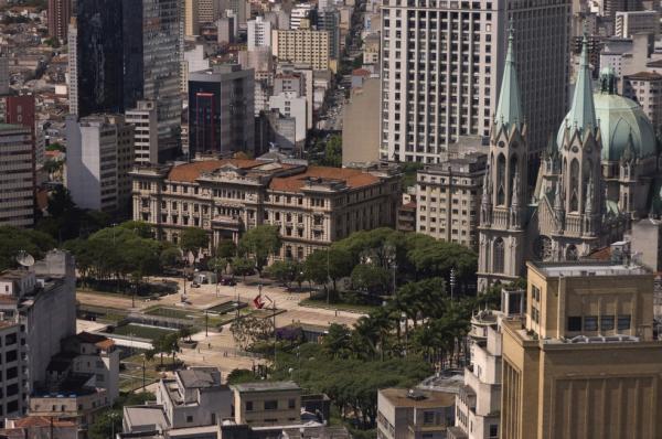 TJ-SP publica edital de concurso com 845 vagas e salário de R$ 4.981,71