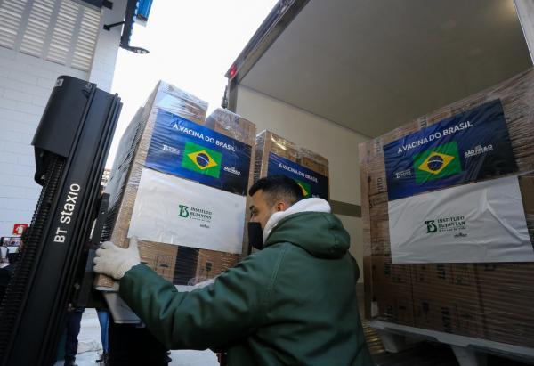 Butantan entrega 1,2 milhão de doses da CoronaVac ao Ministério da Saúde