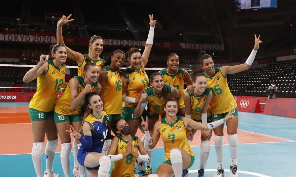 Vôlei feminino: Brasil vence Quênia e pega o Comitê Russo nas quartas em Tóquio