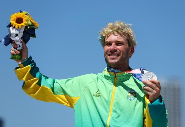 Com prata no skate, Brasil iguala recorde de medalhas em Olimpíadas; veja medalhistas