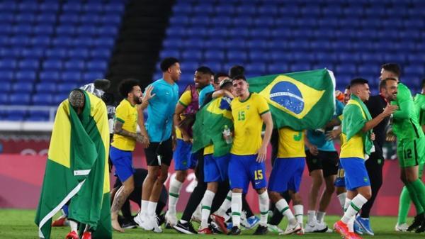 É  ouro! Brasil bate Espanha na prorrogação e é bicampeão olímpico