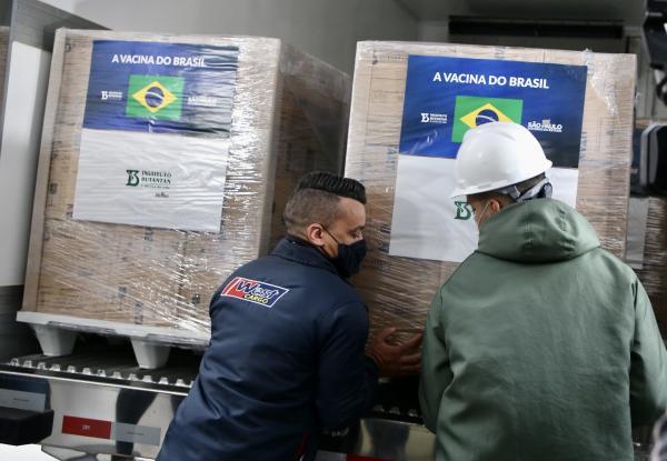 Butantan entrega 2 milhões de doses de CoronaVac a Ministério da Saúde