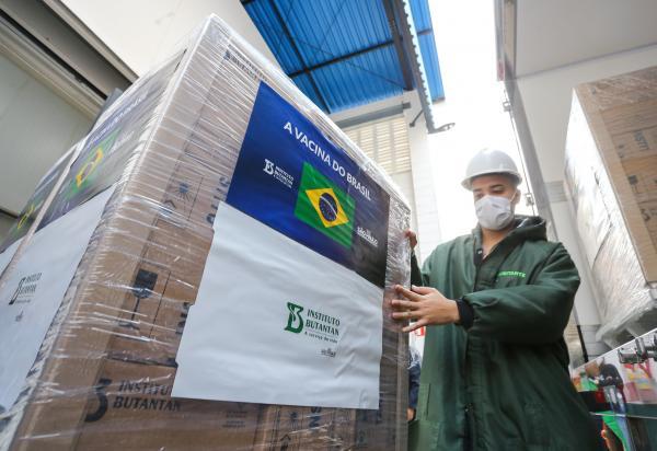 Butantan entrega 4 milhões de doses da CoronaVac ao Ministério da Saúde