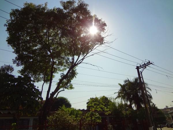 Sol e calor voltam a predominar na região; final de semana terá máxima de 27ºC e chuvas isoladas