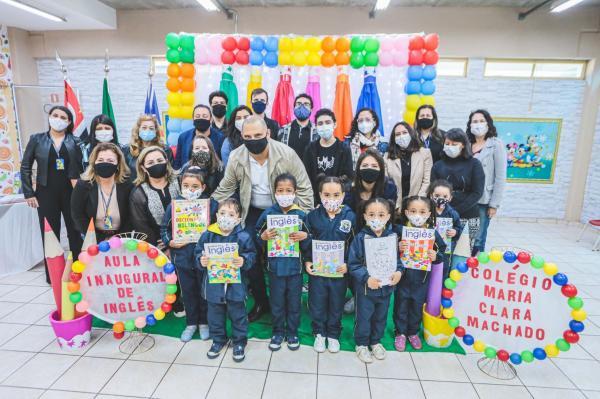 Santana de Parnaíba implanta aulas de inglês para alunos do ensino infantil na rede municipal