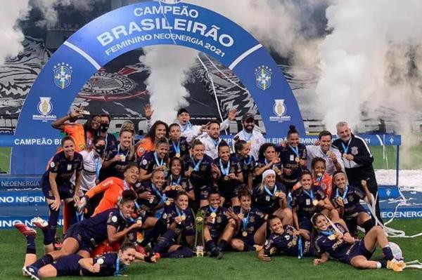 Corinthians vence o Palmeiras e ganha o Brasileiro Feminino