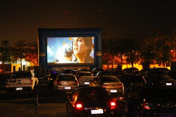 Jundiaí terá sessões gratuitas de cinema drive-in; veja como retirar ingresso