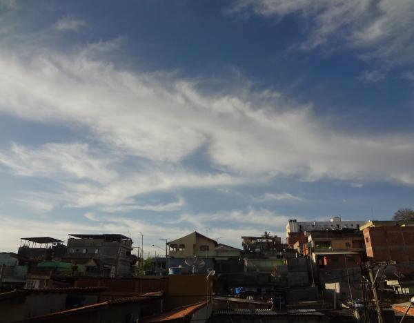 Sol e temperaturas amenas marcam terça-feira em Cajamar