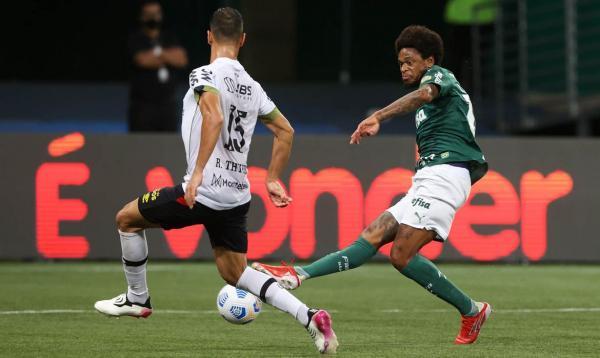 Brasileiro: Palmeiras supera Sport e assume vice-liderança
